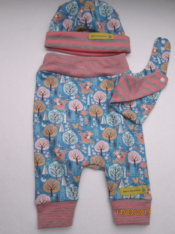 Newborn Baby Bloomers set, beanie and reversible bib woodland creatures pants,  set 3-6 mo  newborn