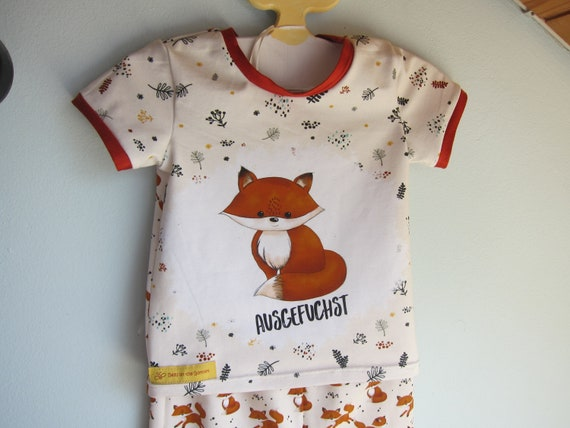 Baby t-shirt and bib with foxes in creme and terracotta size 3-6 mo European Size 68 or to order