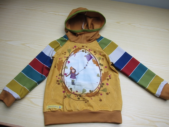 Autumn Baby Jersey Pullover with Hood, Kite flying Hoody with Bio Jersey in fall colors. 3T (EU 92)