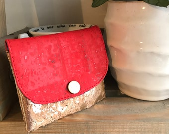 Snap pouch
