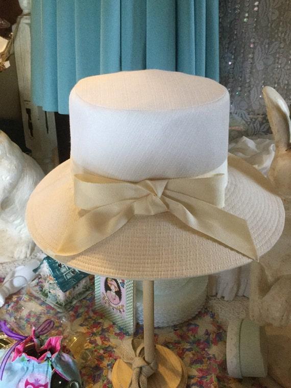 White linen hat