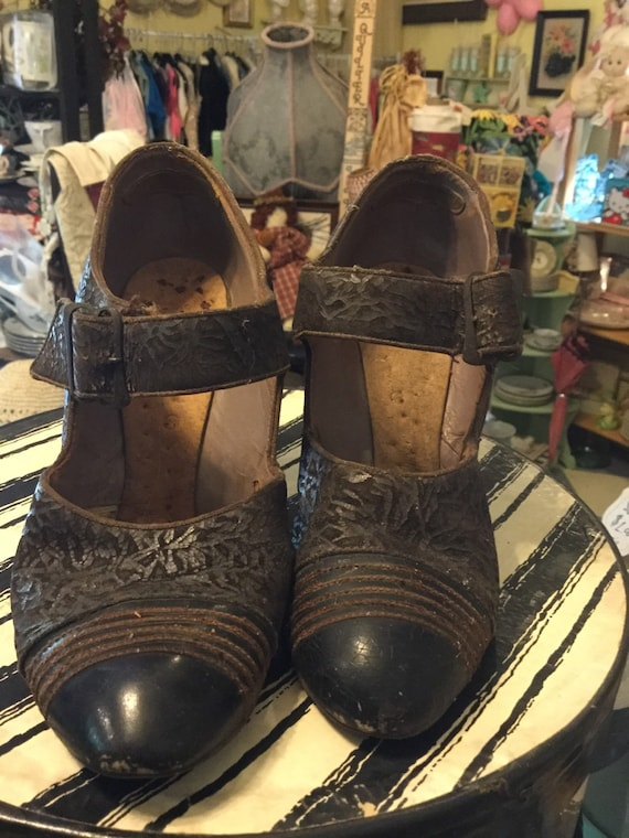Vintage brown embossed suede and leather shoes