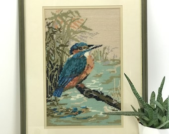 Kingfisher Cross Stitch Tapestry in Olive Green Frame Mid-Century Cross Stitch Wall Decor Vintage Framed Bird Needlepoint Green Home Decor