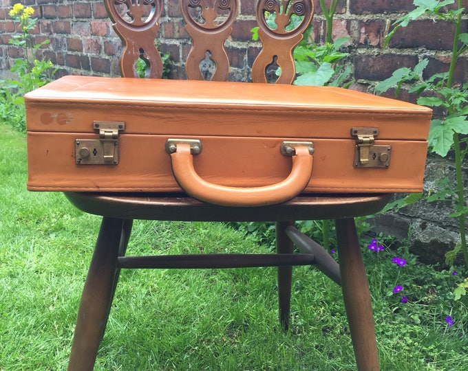 TAN VINTAGE BRIEFCASE - Vintage Luggage | Retro Briefcase | Vintage Home Decor | Camel Brown Decor | Photo Prop | Stacking Case Display