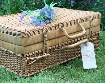 60s Picnic Basket Suitcase Retro Mod Style Case Small Vintage Suitcases Rustic Wedding Decor Card Case Wedding Photo Prop