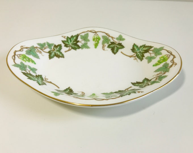 Wedgwood Fine Bone China Sweet Plate with Santa Clara Green Ivy Pattern | Small Decorative Oval Trinket Dish