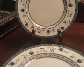 """Royal Daulton """"Cambridge"""" Made in England Set of 14 Bread and Butter and Plates"""