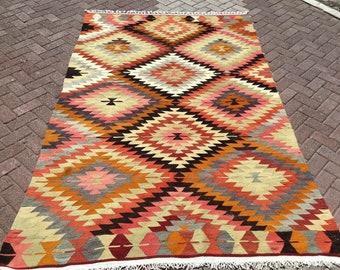 """Turkish Kilim Rug, area rug, 107""""x 67"""" , Vintage Turkish kilim, vintage rug, bohemian, Turkish rug, pink kilim, 2021 home decor, diamond,"""