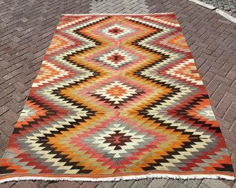 """Turkish Kilim Rug, area rug, 108""""x 73"""" , Vintage Turkish kilim, vintage rug, bohemian, Turkish rug, pink kilim, 2021 home decor, diamond, y"""