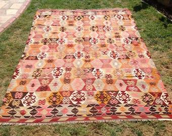 """Kilim rug, Vintage Turkish kilim rug, 105"""" x 77"""", area rug, kilim rug, Pale area rug, vintage rug, bohemian rug, rugs, faded kilim rug,"""