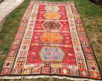 LOVELY Vintage Kilim rug, 133'' x 76'' Vintage area rug, Turkish kilim rug,  area rug, RED kilim rug, Rug, Faded red rug. faded long rug,793