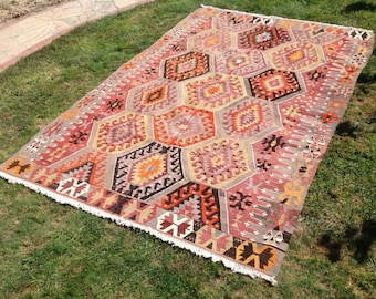 """Kilim rug, Vintage Turkish kilim rug, 111"""" x 75"""", area rug, kilim rug, Pale area rug, vintage rug, bohemian rug, rugs, faded kilim rug, 649"""