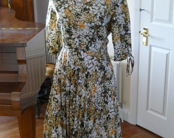 1940s Style Dress. Beautiful Countryside Colours.