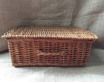 Vintage Picnic Basket--Suitcase Picnic Basket--Wicker Picnic Basket--Wicker Suitcase--Wicker Storage--Hinged Top Wicker Basket