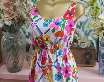 Stunning 60s floral Hawaiian sundress