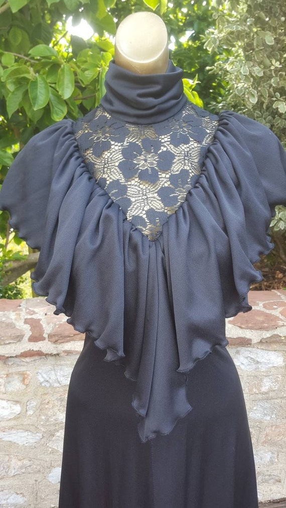 Amazing caped and ruffle lace 70s black prairie dr