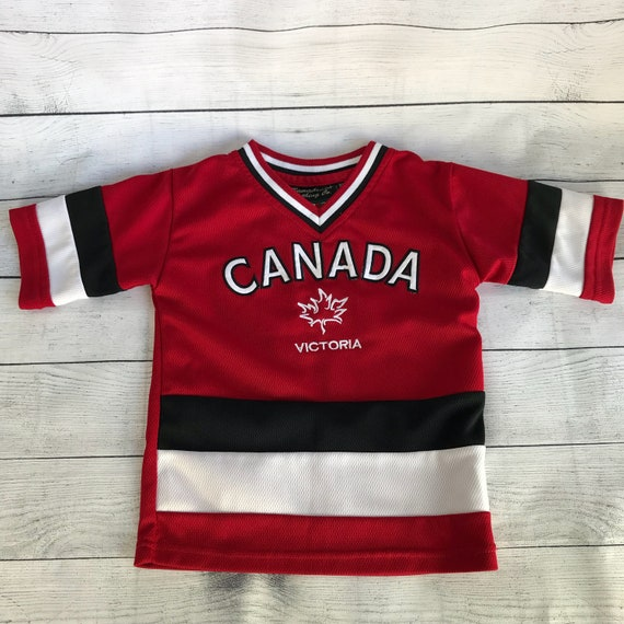 Vintage Children s Canada Hockey Jersey Size 2 4 Red  74a3ca0dfcc