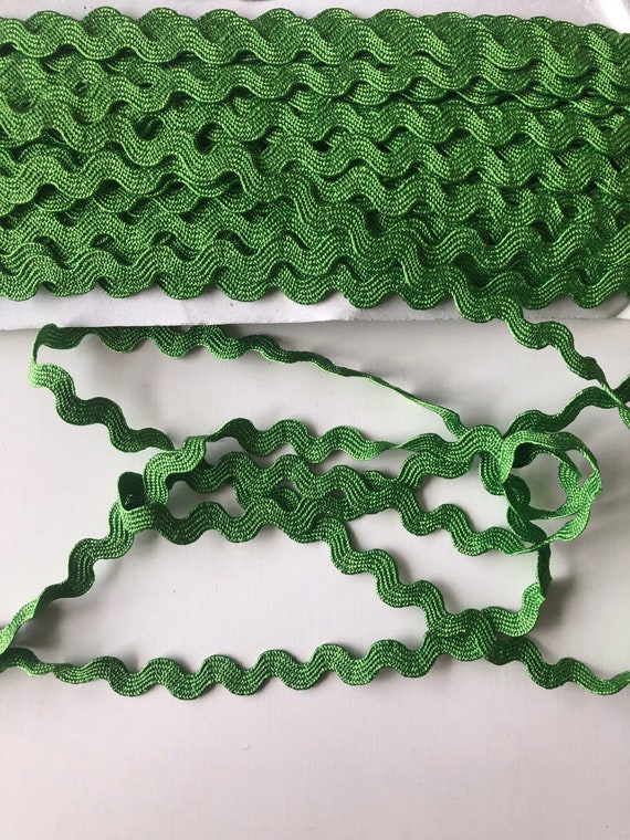 - 14 Colours 22m Wide Jumbo Ric Rac Braid Trim Volume Savings /& Free Postage