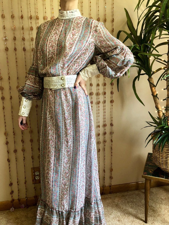 1970s Edwardian Inspired Floral & Lace Dress