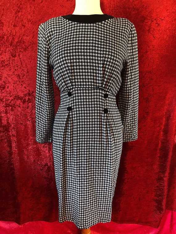 1990s Houndstooth Black & White Wiggle Dress With