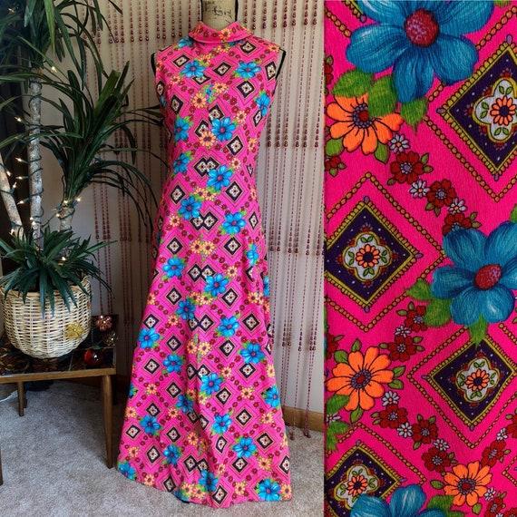 1960s Bright Floral Psychedelic Print Barkcloth Ma