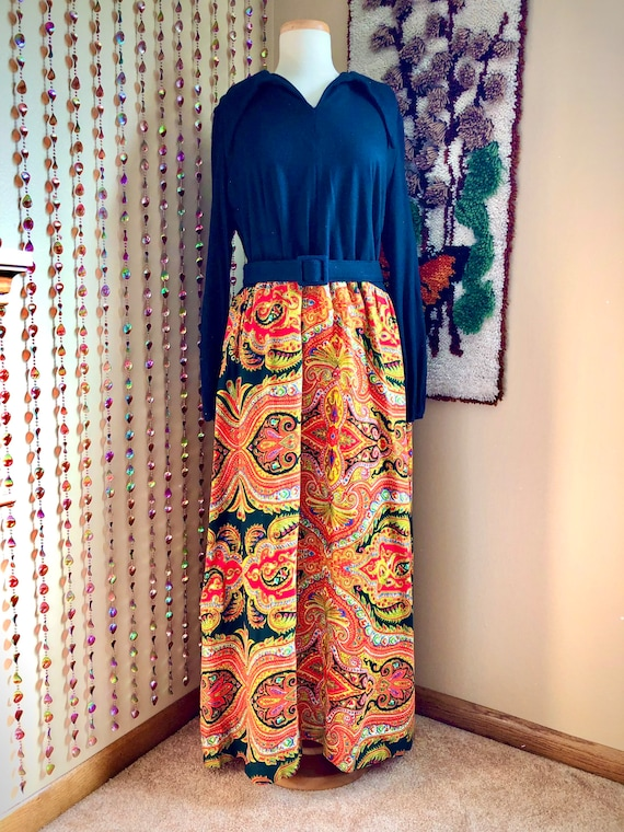1960s/70s Volup Psychedelic Maxi Dress With Dagger