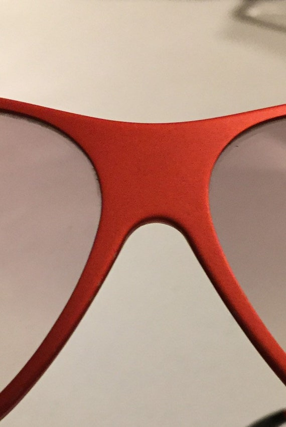 Vintage 70s Red Metal Sunglasses One Piece Front … - image 3