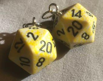 Yellow/grey speckled D20 earrings