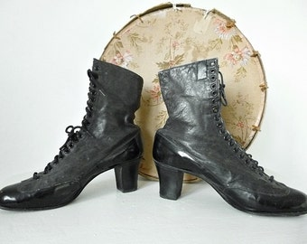 French Victorian Boots.... CHARMANT!