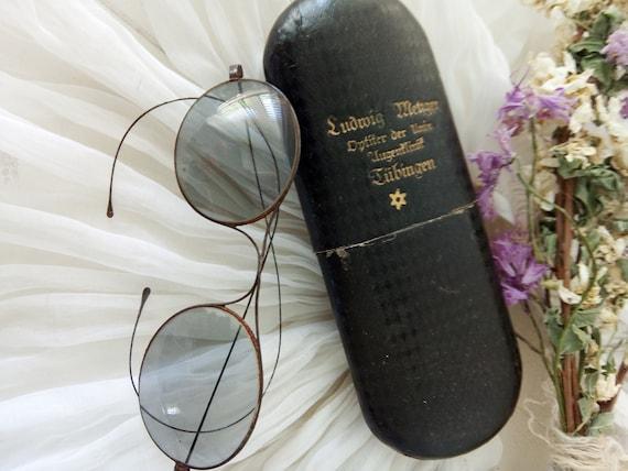 Antique sunglasses  .... CHARMANT!