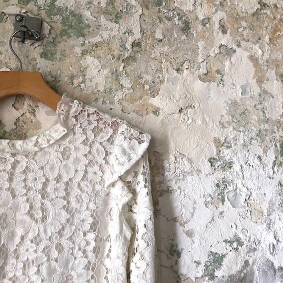Vintage White Lace Blouse - 1970s 70s Lace Top Sh… - image 4