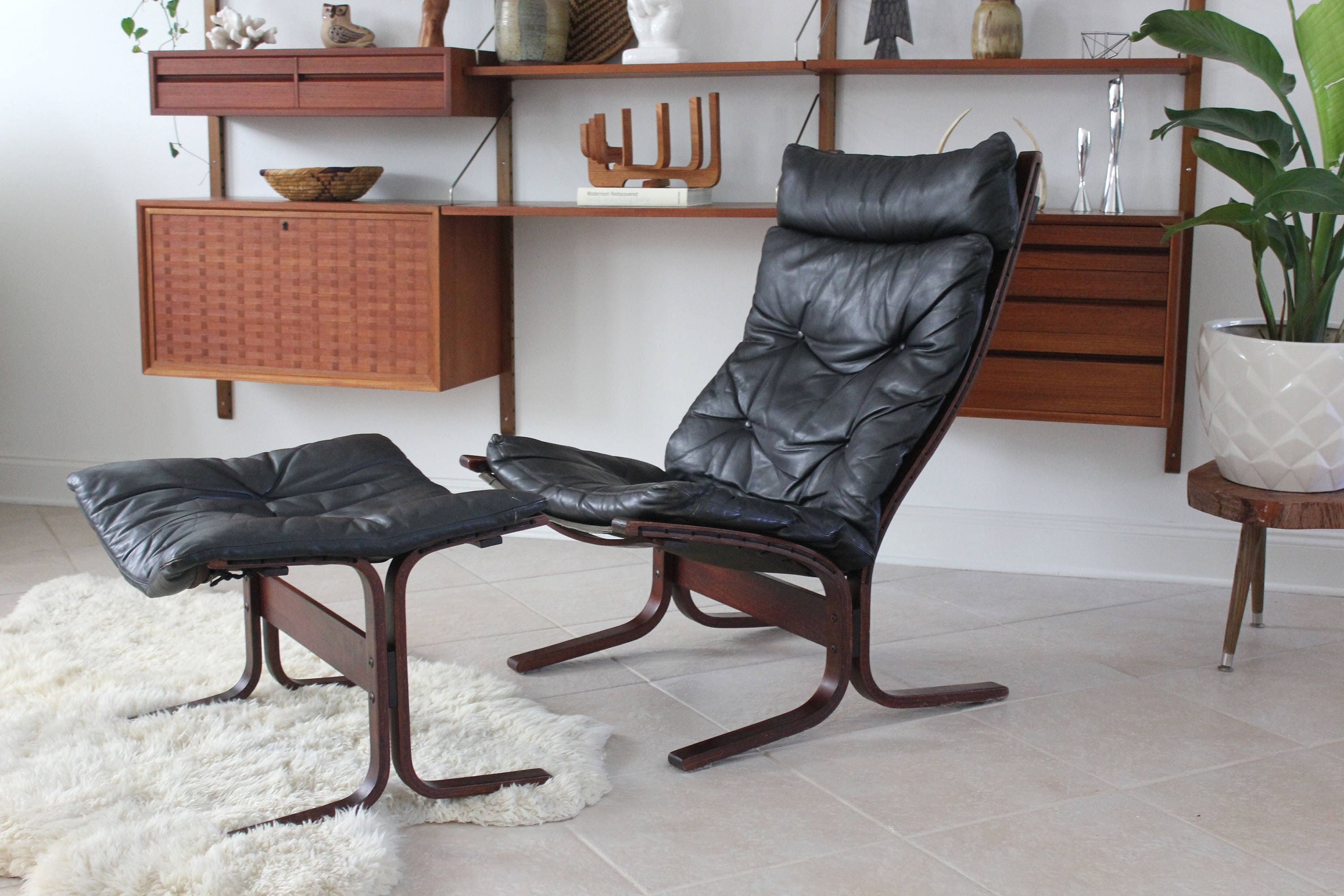 Pleasing Mid Century Modern Westnofa Black Leather And Rosewood Gmtry Best Dining Table And Chair Ideas Images Gmtryco