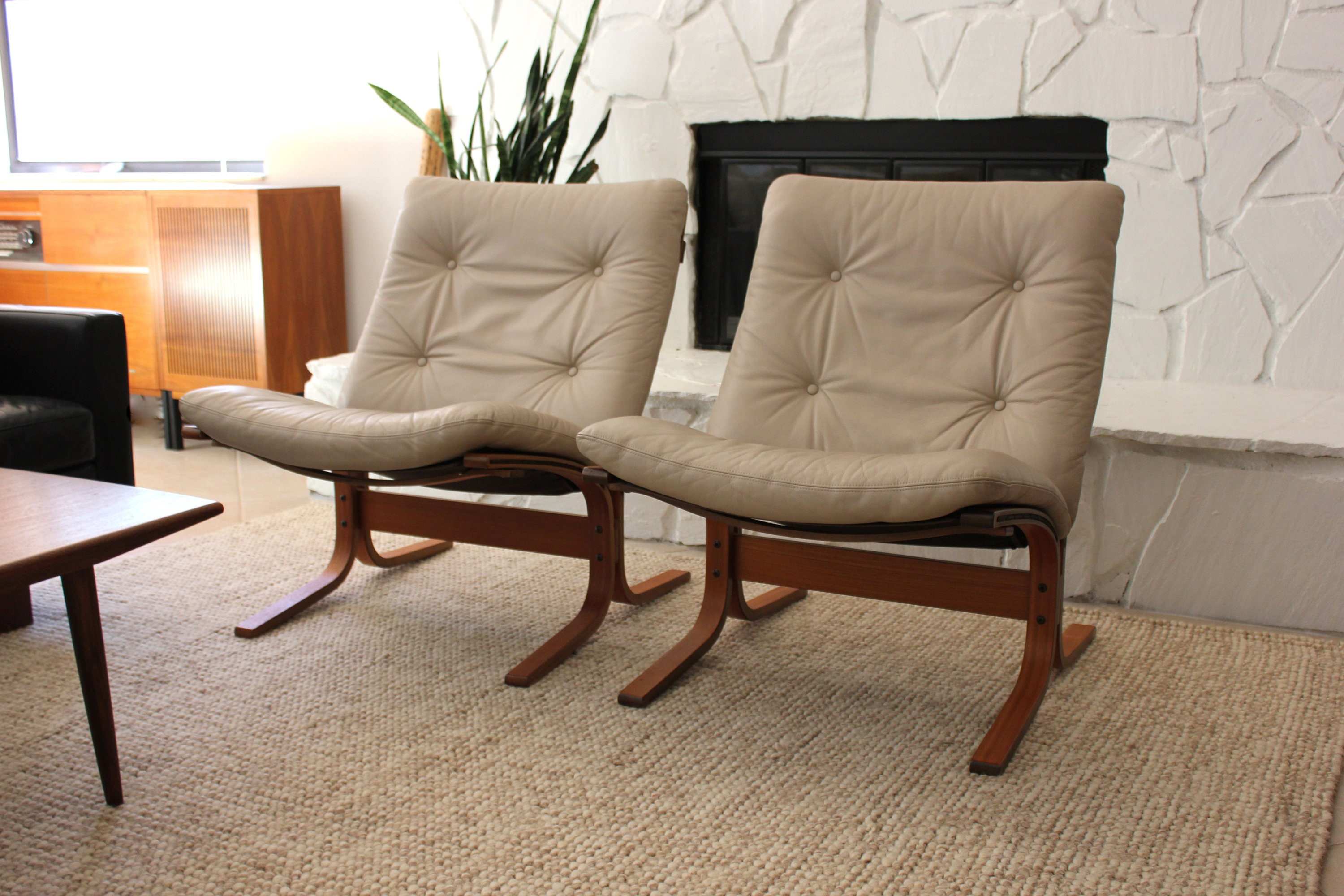 Marvelous Pair Mid Century Modern Westnofa Greige Leather Siesta Gmtry Best Dining Table And Chair Ideas Images Gmtryco