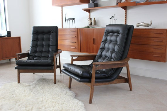 Pair Mid Century Modern Scoop Chair Loungers in Milo Baughman Style