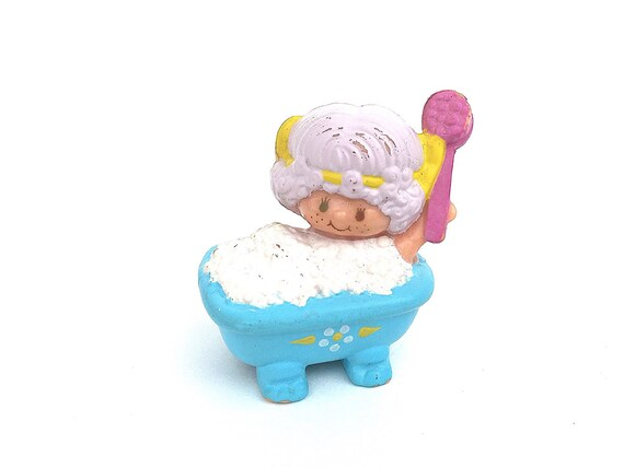 Vintage Strawberry Shortcake Mini PVC Angel Cake Phone Figurine Toy