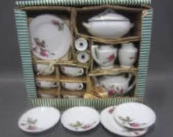Vintage Japanese Child's Tea Set