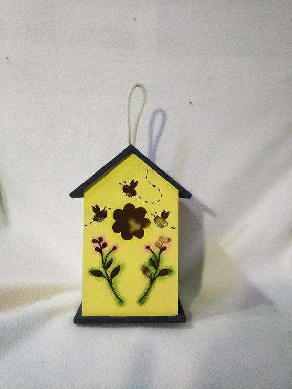 Bumble Bee Birdhouse, Bees, Silhouette, Bee House, Bug House, Flower  Birdhouse, Bees On Flowers, Floral, Wooden, Yellow Birdhouse, Custom