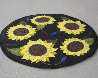 MAIL To You Pattern: Summer Sunflower Penny Rug, Instant Download, Summer / Fall Decoration. Wool, Wool Felt, Applique.