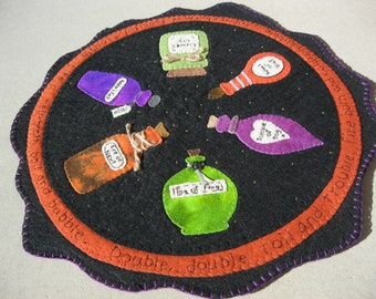 PDF Pattern: Song of the Witches Penny Rug, Instant Download, Autumn / Fall / Halloween Decoration. Wool, Wool Felt, Applique.