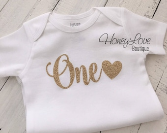 One with heart, gold glitter number 1 shirt bodysuit, First Birthday, 1st Cake Smash baby girl, sparkly sparkle glittery birthday 2nd two