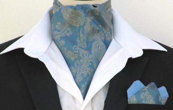bd76fbf34e70 Mens Français Paisley bleu   or Satin Ascot cravate mouchoir   Etsy