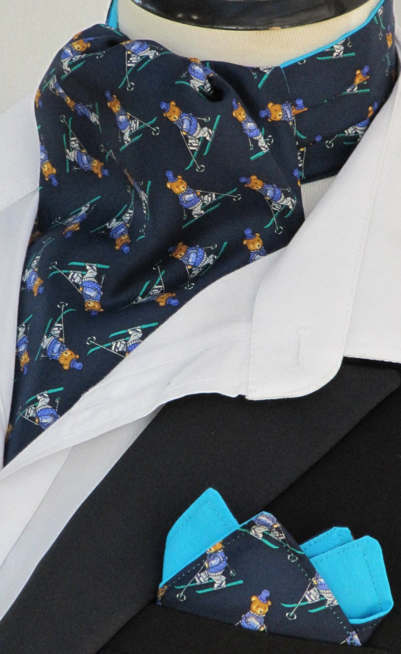 Mens Navy /& Turquoise Skiing Teddy Bears 100/% Silk Ascot Cravat and Pocket Square