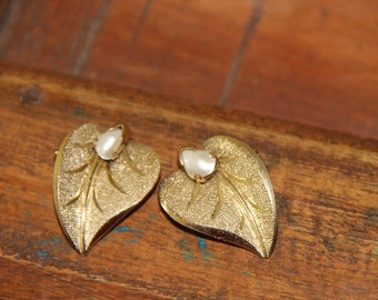 Vintage Gold Plated and Pearl Clip On Earrings Germany Floralia Rodi & Wienenberger 1950s