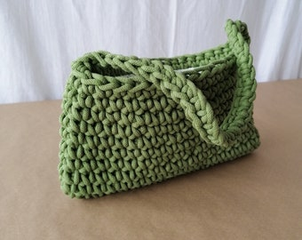 Pea green crochet baguette bag/ wrist style/ short shoulder handle/ small top handle bag/ had crocheted/ small rectangle size/