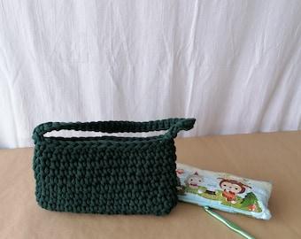 deep green crochet baguette bag/ hand crocheted/ baguette style/ small bag/ top handle/ wrist style/ small bag/ Y2K fashion/ wedding