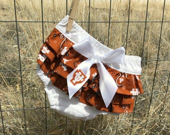 UT Longhorns Ruffled Diaper Cover-Baby Bloomers-University of Texas-Game Day Outfit-Newborn Photo Prop-Birthday Outfit-Cake Smash Outfit