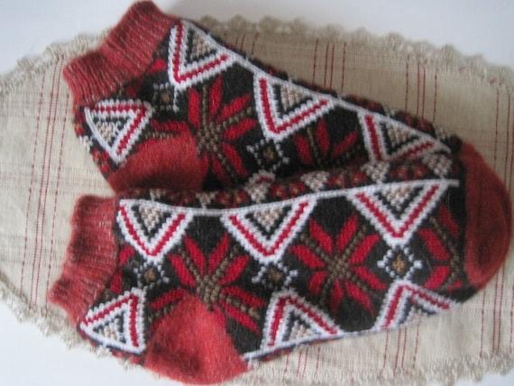 Knit Sock Laser Cut /& Engraved Wood Ornament R097