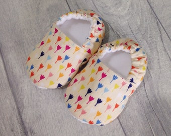 Baby girl slippers, baby shoes girl, floral baby shoes, baby girl booties, crib shoes, baby booties, handmade baby shoes, baby shower gift