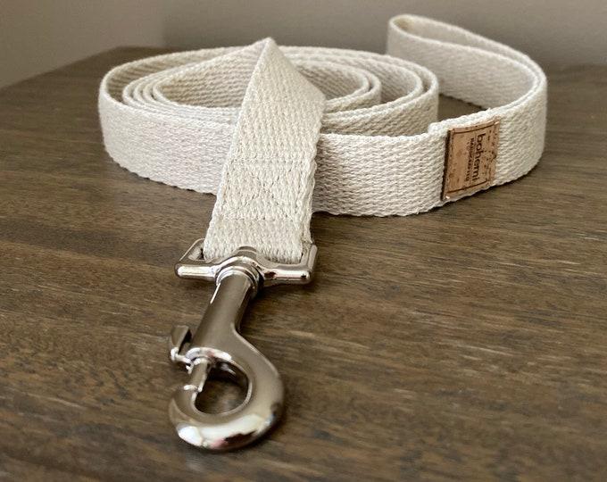 Super Soft Hemp Twill Clip Lead - Silver