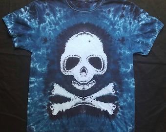 Skull and cross bones tie dye tee shirt
